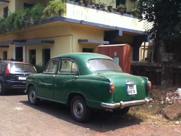 Image of a green classic car in Goa